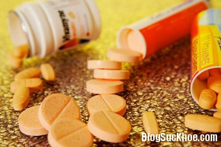 c sui Lạm dụng vitamin C có thể gây sỏi thận