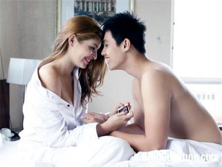 sao viet dua nhau pr bang canh giuong chieu 3 Tìm lại cảm hứng cho cuộc yêu nồng nàn