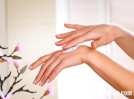 tay1 Chăm sóc cho đôi tay ngà ngọc