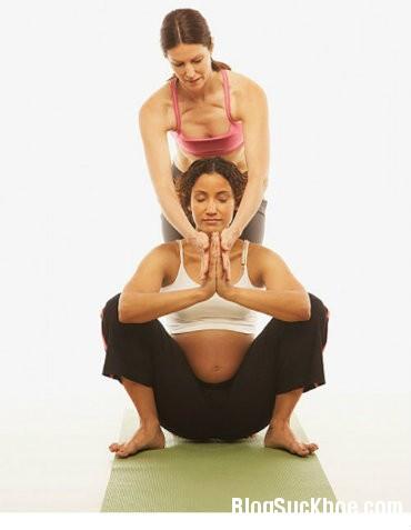 me bau3 Những tư thế yoga giúp mẹ bầu thoải mái trong thai kỳ
