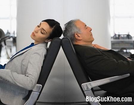 ngu11 9 lời khuyên để tránh cơn buồn ngủ sau bữa trưa