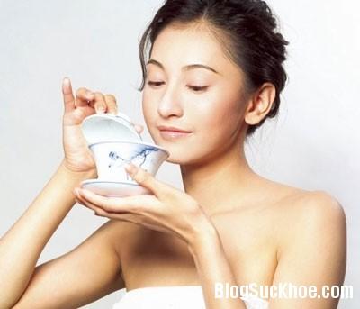 uong tra Uống vitamin D và trà để ngừa đãng trí