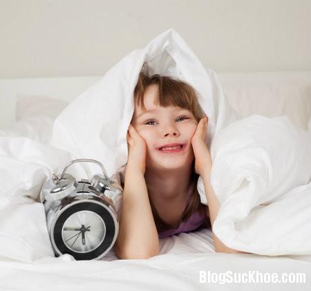a52 Mẹo giúp bé ngủ dậy không quấy khóc