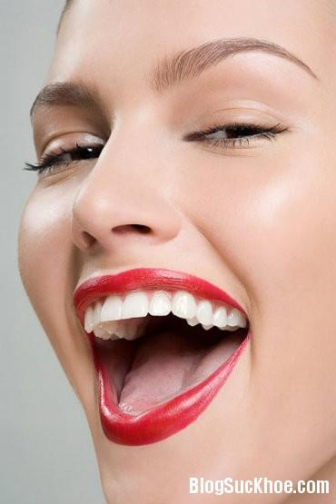 rang3 Mẹo tự tẩy trắng răng tại nhà