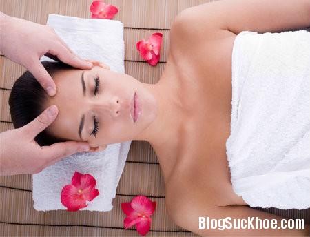 massage Các biện pháp tự nhiên giúp xóa mờ nếp nhăn