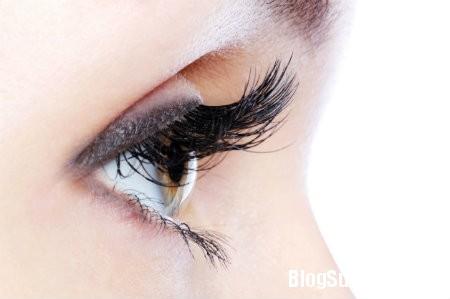 mat21 Cách khắc phục chứng khô mắt