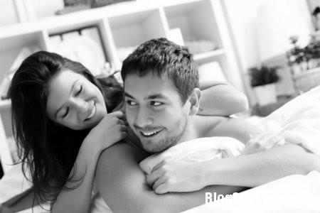 """yeu111 Những điều lãng mạn nên làm sau """"chuyện ấy"""""""