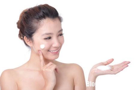 kem5 Cách lựa chọn và sử dụng kem làm trắng da mặt an toàn