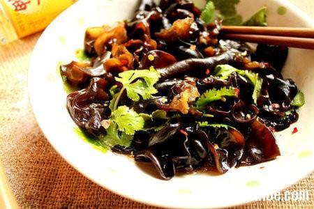 nam1 Tác dụng dinh dưỡng tuyệt vời của nấm mèo đen