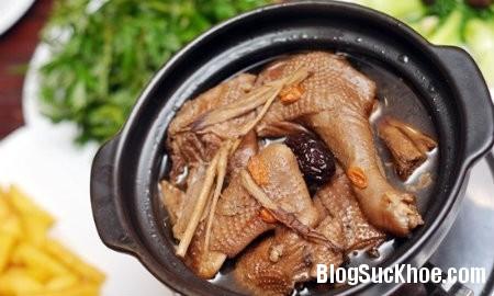 ga1 Món ăn bài thuốc từ thịt gà, thịt dê chữa đau lưng