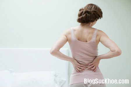 dau lung6 Bài thuốc dân gian chữa đau lưng sau sinh