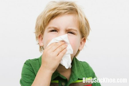xoang Phân biệt trẻ bị viêm xoang và nhiễm khuẩn hô hấp trên