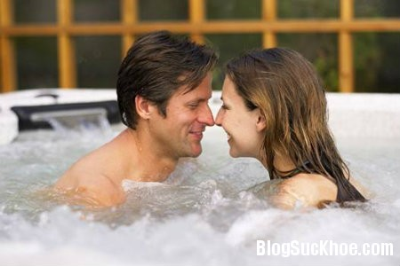 210 Có phải giao ban khi tắm bằng nước ấm thì sẽ an toàn?
