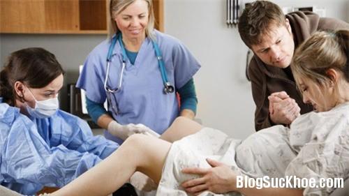 1303 Cách giúp mẹ thở đúng khi sinh