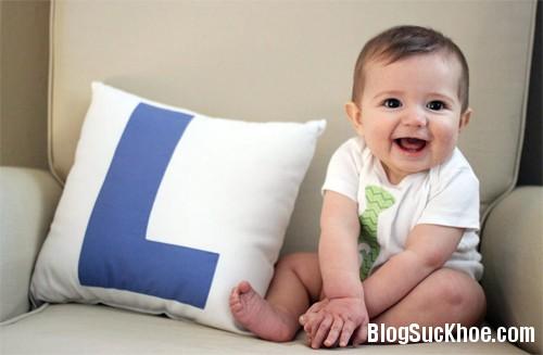 1355 Đặc điểm phát triển của bé 9 tháng tuổi
