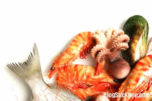 1472 Cho bé ăn hải sản đúng cách