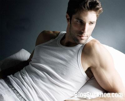 1276 Những biểu hiện lạ liên quan đến vùng ngực của nam giới