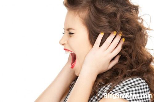 1112 8 thói quen thường ngày gây hại cho lưng