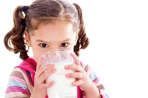 1177 Những điều cần nhớ khi cho con uống sữa đậu nành
