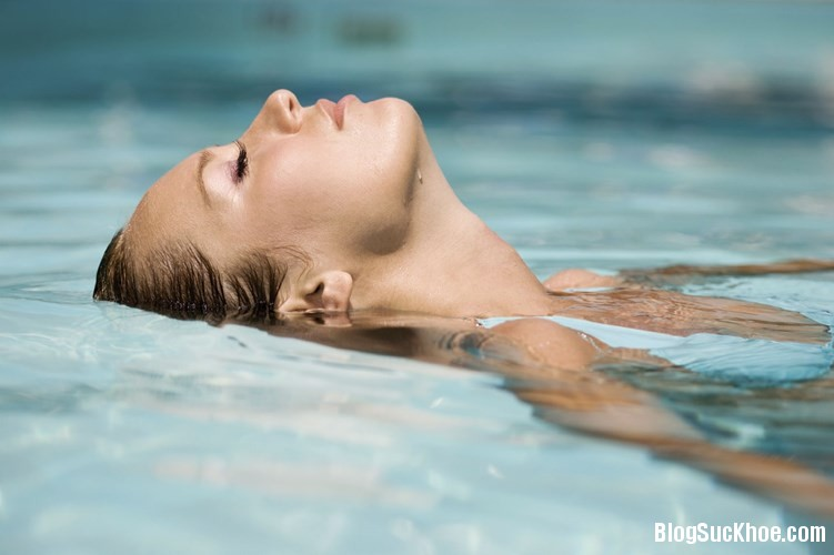 179 Nguy cơ lây bệnh từ hồ bơi
