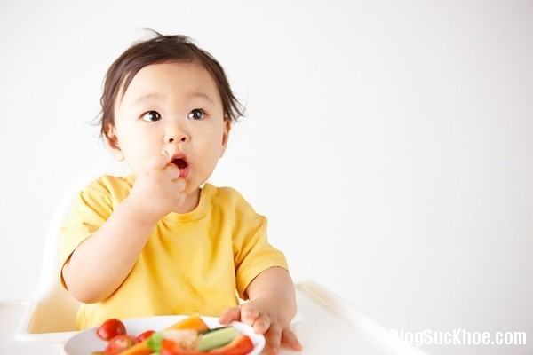 14 Để con xinh đẹp, thông minh mẹ nên ăn gì?