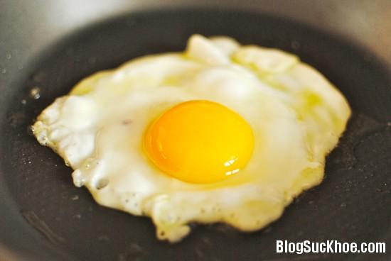24 Các loại thực phẩm không nên ăn tái hoặc sống