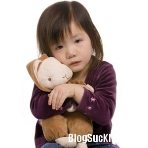 192 Lý do bé đi nhà trẻ hay ốm, khóc