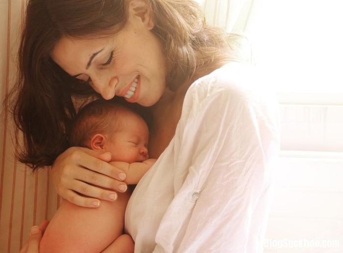 1405 Những thời điểm mẹ cần ôm bé ngay lập tức