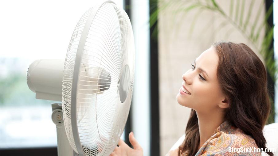 189 Sử dụng quạt điện đúng cách để không bị ốm vào mùa hè