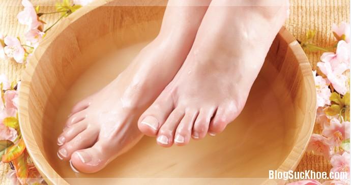 1284 Thực phẩm rẻ tiền giúp trị chân thô ráp, nứt gót chân