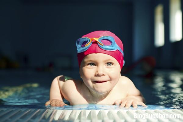 1358 6 lưu ý khi dạy trẻ tập bơi