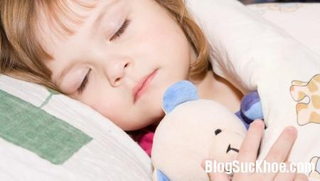 Mẹo giúp bé hay ăn chóng lớn, không đau ốm cả năm