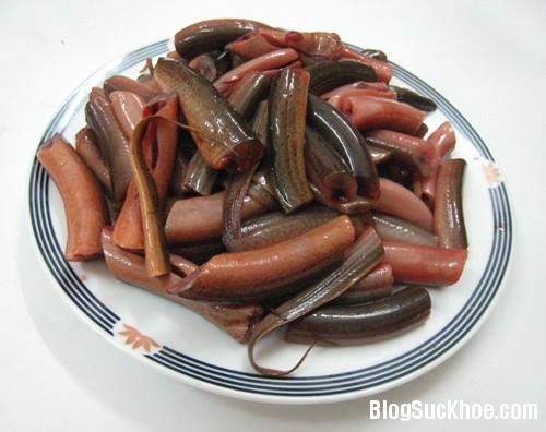 1136 Cách ăn lươn gây ngộ độc nguy hiểm