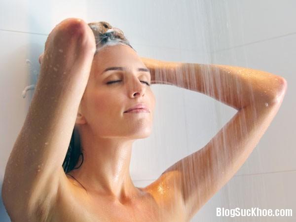 1153 Sai lầm khi tắm vào mùa đông gây đột tử