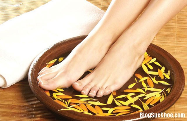 1329 Ngâm chân thảo dược tốt cho sức khỏe