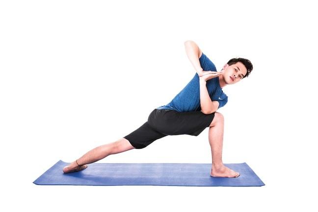 yoga danh cho nam gioi 2 Những bài tập yoga tuyệt vời dành cho nam giới