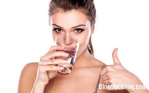 1146 5 cách uống nước nguy hiểm bạn cần tránh