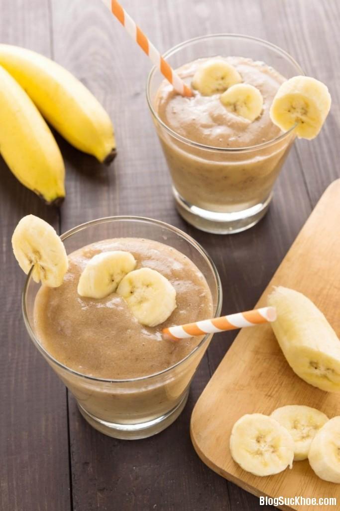 pbfitbananasmoothie e1461899970543 683x1024 Thêm chuối vào thực đơn hàng ngày để giảm cân hiệu quả