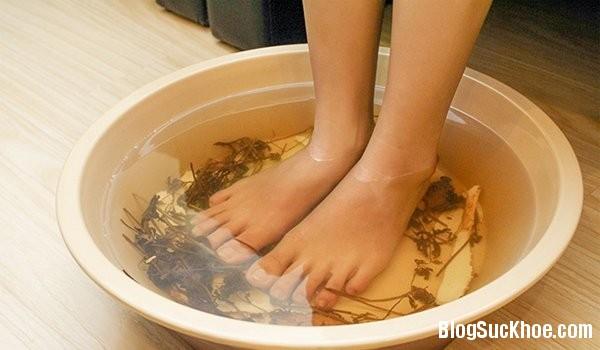 1 19 Ngâm chân chữa bệnh