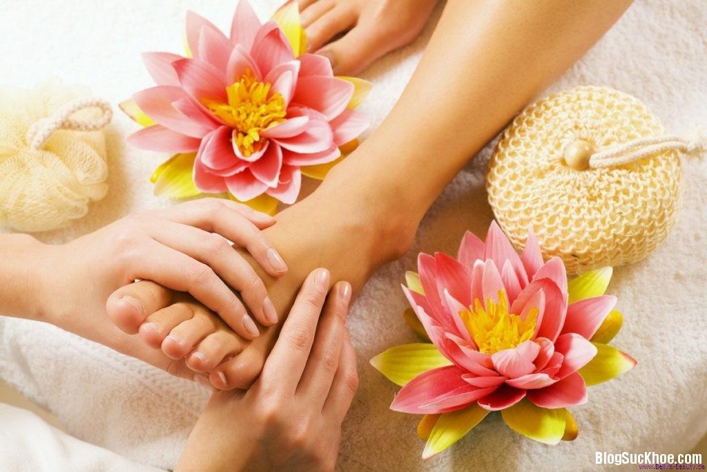 1 321 1024x683 Lợi ích của việc massage chân