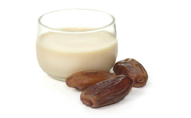 1 52 Công thức làm sữa chà là chữa bệnh ho khan