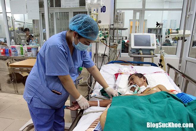150243653442184 truy n d ch Không nên tự ý truyền dịch khi bị sốt xuất huyết kẻo mất mạng như chơi
