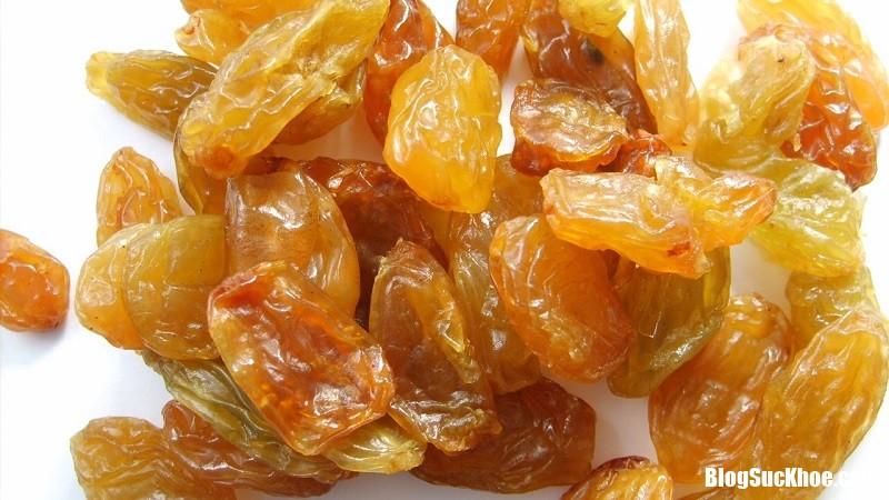 393111 Sau mỗi bữa nh�u nên dùng nho khô để giải độc gan
