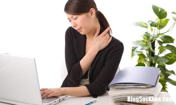 39314938611401 Suốt ngày ôm máy tính dễ gây nên nhiều bệnh nguy hiểm