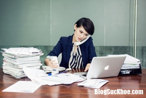 nhung can benh sinh ly de doa nu cong so Nữ nhân viên văn phòng dễ mắc những bệnh về sinh lý nguy hiểm