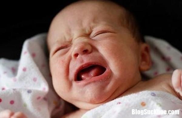 tre giat minh quay khoc Tăng nguy cơ đột tử ở những trẻ hay giật mình quấy khóc giữa đêm