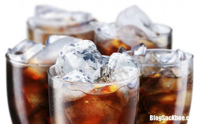 uống nước ngọt Những nguy cơ tiềm ẩn khi uống nước ngọt quá nhiều