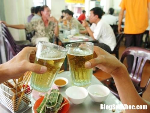 uog bia 9 6 2017 Ngày nóng uống cốc bia giải nhiệt có thể làm tăng nguy cơ suy giảm não bộ
