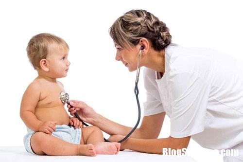 20170830180122 viem phoi o tre em Các dấu hiệu viêm phổi ở trẻ em cần điều trị sớm