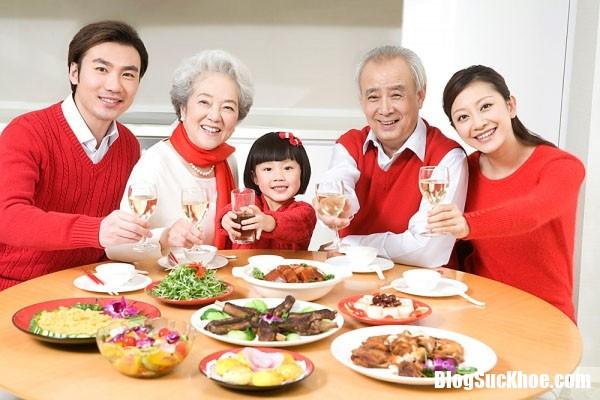bua com Những lưu ý về dinh dưỡng cho người cao tuổi được khỏe mạnh